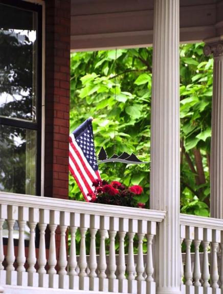 patriotic-porch-czw-nkdm.jpg